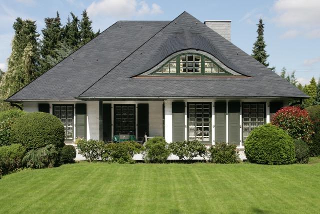 Einfamilienhaus mit Schieferdach