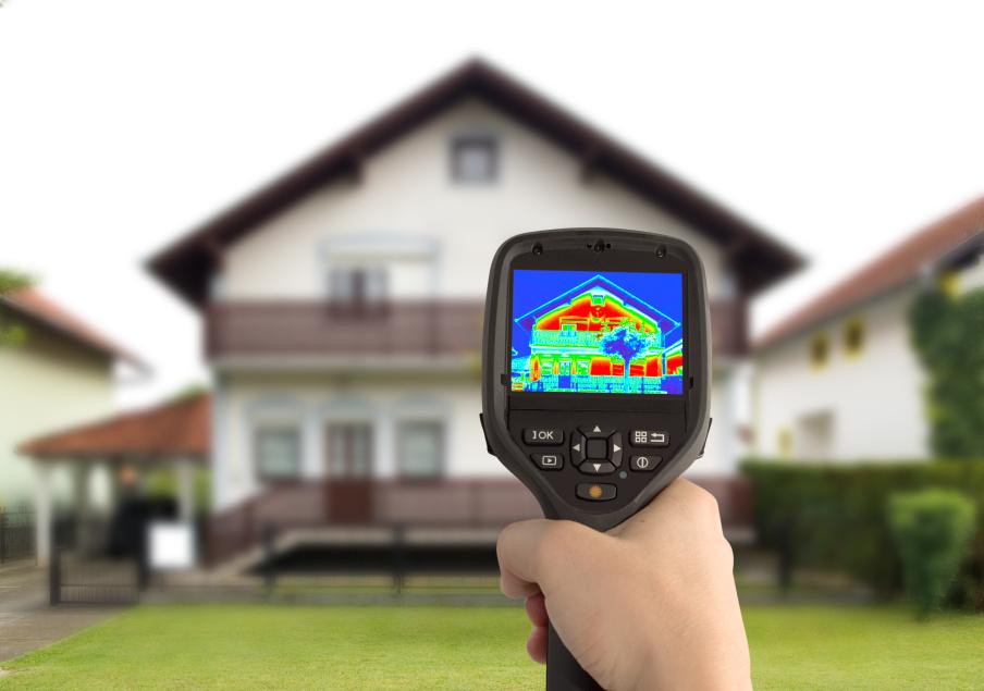 Messung mit Wärmebild bei einem Einfamilienhaus
