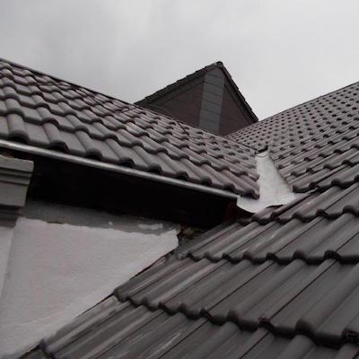 Ansicht neu gedecktes Dach